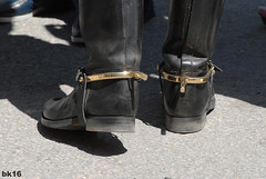 perons dors - Garde Rpublicaine (tripuniforme) Tags: paris france 1025fav spurs europe boots 2550fav cavalier poli cavalry bottes botas dressage stiefel stivali leatherboots tallboots garderpublicaine goldenspurs menboots bottesdecuir wornboots botasaltas perons cavalryboots peronsdors botteshautes bottesdecavalier cavaliergarderpublicaine botasdepoli bottesdegarderpublicaine bottescavaliergarderpublicaine