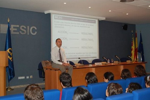 10 paradigmas comerciales en tiempos de crisis (ESIC)