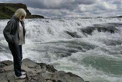 Kristin vi Gullfoss (Kristinn Kjartansson) Tags: landscape geysir gullfoss reynisfjall mrdalur reynishverfi akgil