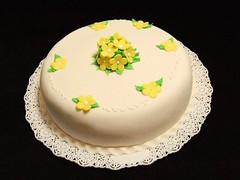 No me olvides... (Mariana Pugliese) Tags: flowers naturaleza flores verde blanco cake hojas flor amarillo ramo torta nomeolvides comunion 241543903 marianapugliese
