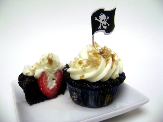 Straw-Berried Treasure Cupcake 2
