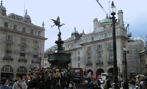 "London 240 • <a style=""font-size:0.8em;"" href=""http://www.flickr.com/photos/30735181@N00/3672149755/"" target=""_blank"">View on Flickr</a>"