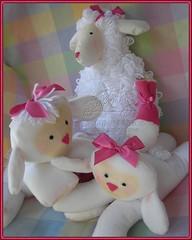 Família reunida... (Empório de Mimos) Tags: decoração bonecadepano ovelha ovelhinha carneirinho bichinhodepano empóriodemimos