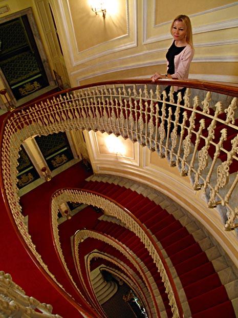 genoa-montse-bristol-stairs-1545