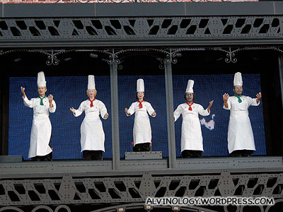 The joyous singing chefs