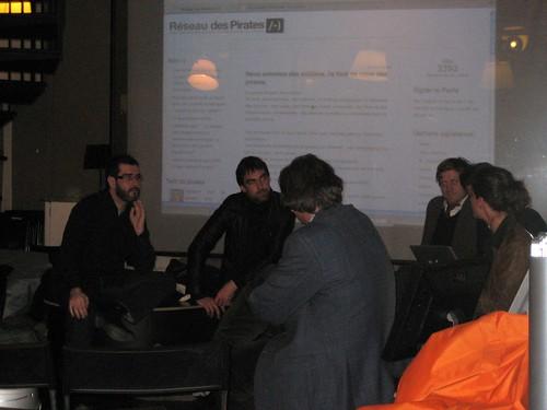 """Conférence de presse """"le Réseau des Pirates /-)"""" à La Cantine"""