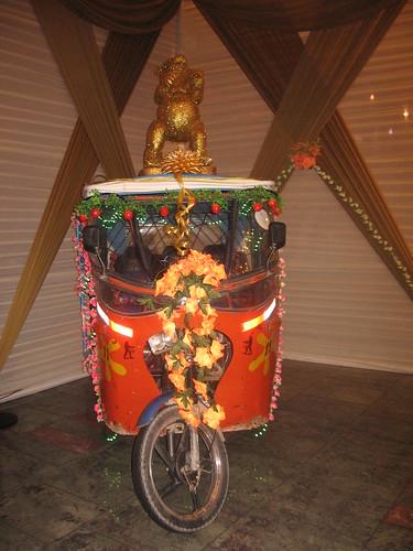 Mototaxi - Representacion del Oso de Oro