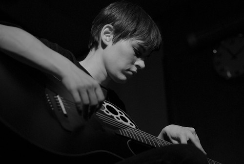 Kaki King Bologna