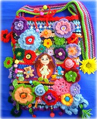 Fantasia de menina (Lidia Luz) Tags: bag doll handmade crochet boneca bolsa mala crochê lidialuz