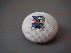 Robot Ninja Haggle Man button (benjibot) Tags: crossstitch crafts ds videogames button tutorial retrogamechallenge robotninjahaggleman