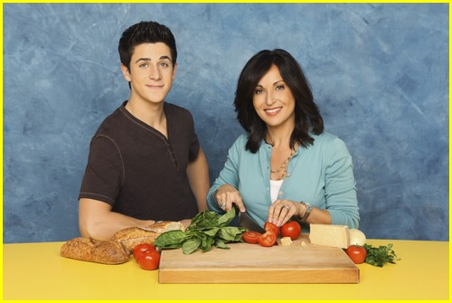 david-henrie-pamper-mom-01