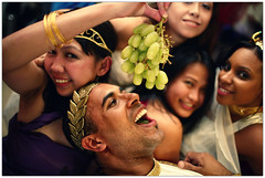 Roman Orgy (Espinal Photography) Tags: birthday party green costume women fiesta feeding roman authority grapes era ruler cumpleaos orgy toga verdes emperor uvas canoneos5d orgia espinal autoridad ef35mmf14l