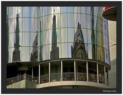 mirroring in vienna II (Winfried Veil) Tags: vienna wien reflection architecture austria mirror veil architektur osterreich spiegelung winfried mirroring mobilew winfriedveil
