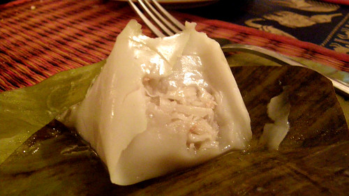 099.Ponlok Retauran的飯後甜點 (2)_包著椰絲的芋頭糕