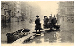 Paris Under the Waters: Oh That Wretched Morning (1910) (postaletrice) Tags: old city madame people woman white paris france men history water seine lady vintage de geotagged photography la boat mujer barca ledefrance cityscape gente natural flood antique postcard femme ciudad paisaje antigua disaster impressionism fade urbano postal 1910 paysage arrondissement francia impressionist ville policia postale hommes policeman canot gens carte hombres ancienne flooded waterscape sena crue gendarme urbaine 12me seora tarjeta cpa desastre 12e belleepoque inondations inundacin impresionismo floodings impresionista crecida ruedelyon inond geo:lat=23692 geo:lon=488527