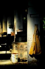 fine turno (Diego Boldini) Tags: diego porta scala varese luce industriale archeologia fabbrica abbandono boldini 21100