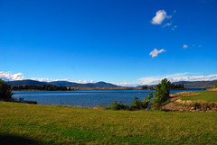 Lake Jindabyne in the Snowy Mountains (antonychammond) Tags: sky landscape australia victoria gmt snowymountains potofgold naturesfinest lakescape lakejindabyne beautifulphoto worldwidelandscapes panoramafotográfico mygearandme esenciadelanaturaleza