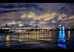 Blue beam (Duarte Santos [catching up]) Tags: new york bridge cruise blue light party sky water night clouds reflections dark boat amazing nikon ride darkness shot bright manhattan low kitlens beam shutter hudson 1855mm 1855 nikkor vr duarte dx waterreflections f3556g d5000 endaksi