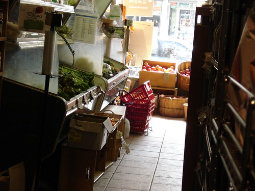 Organics on Bloor: Produce shelves
