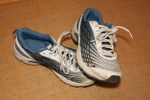 old shoe running fila