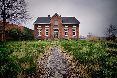 De Fabriek - The Lost Attic Geen Garantie
