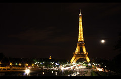 Eiffel Tower (Diederik de Regt) Tags: paris france tower by night canon de eos is europe toren eiffeltower may eiffel f f22 frankrijk mei 1855 35 2009 efs parijs 08 nachtfotografie f63 acht eiffeltoren 450d autogespot diederik2009