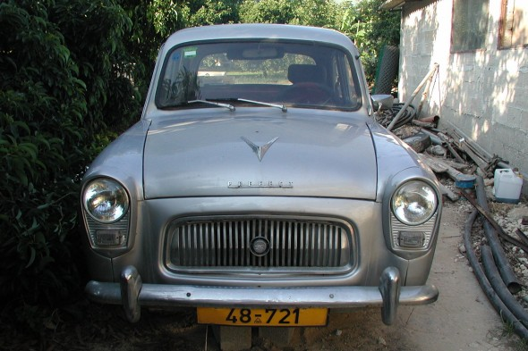 1960 Ford Prefect: Front