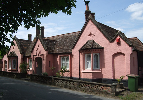 pinkcottagemartyrsgreen