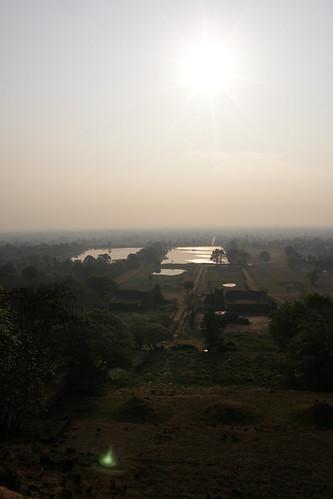 023.清晨的陽光照耀在Champasak平原 (3)