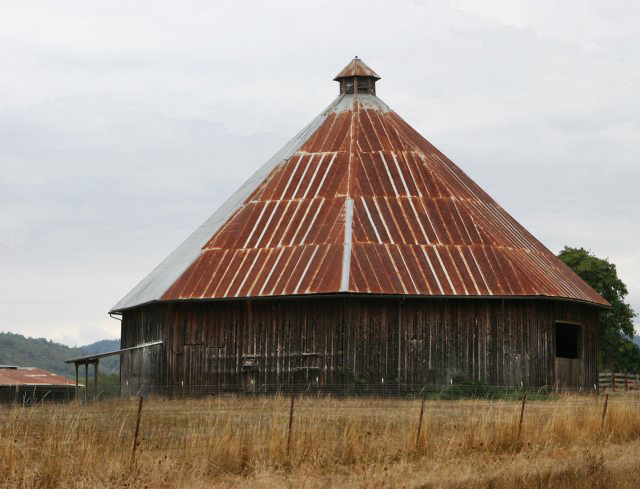 Lookingglass Round Barn