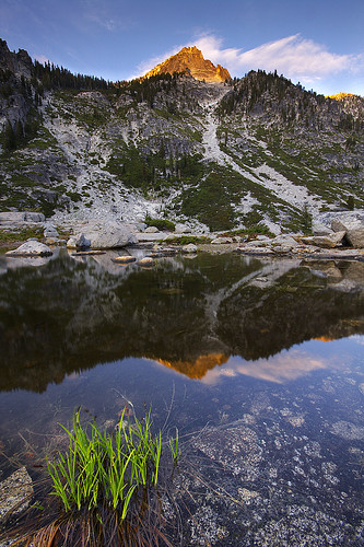 Upper Canyon Creek Lake and Sawtooth Mountain in the Trinity Alps. (Photo by Jeff Lang, via Flickr Creative Commons)