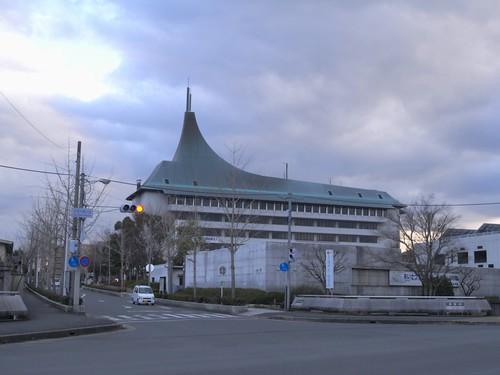 「天理駅周辺」散歩-「天理市役所」