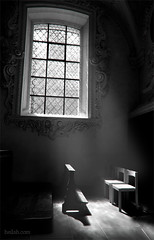 rays (Heilah Alnasser) Tags: light bw church monochrome contrast switzerland blackwhite nikon swiss rays d100 nikkor heilah heilahn