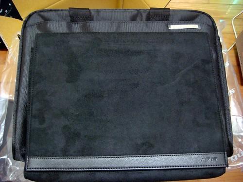 Asus U6Vc 筆電 ─ 附贈 Targus 內袋與筆電包
