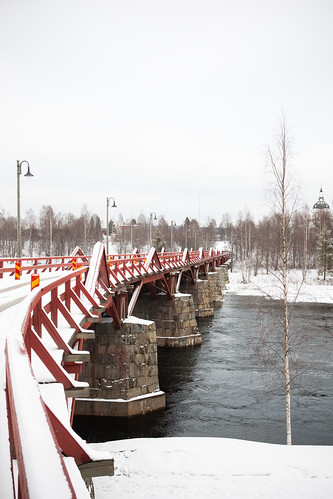 Bridge over the Ume River @ Skellefteå, Sweden - 30 March, 2009 (by 'ju:femaiz)