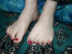 TOES RED (SHORTER TOE AND NAILS) Tags: feet foot toes toe barefoot barefeet pedicure nueva toenails temporada