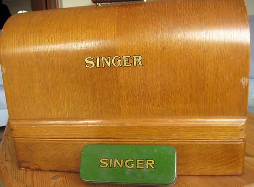 vintage Singer 1