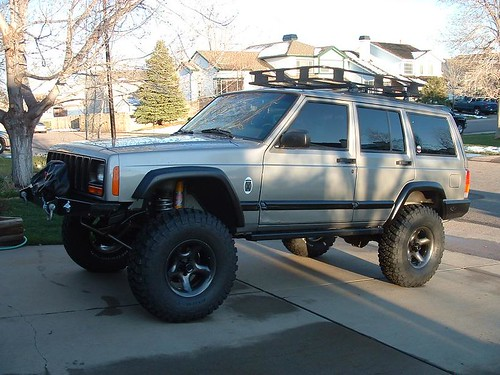 Roof rack dimensions jeepforum its hard to see here but i just slid the rack cross mounts further fwd its not directly centered on the rack side rails but you cant tell sciox Gallery