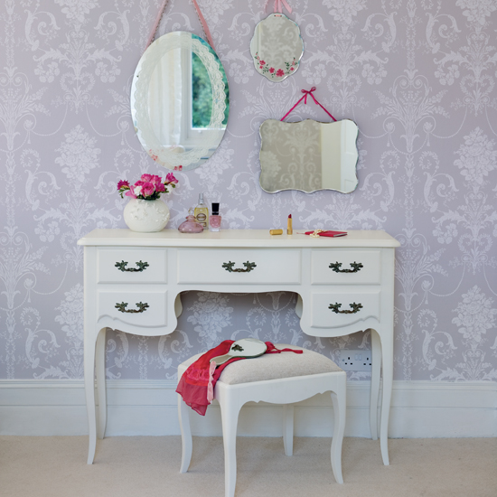 dressing table.jpg