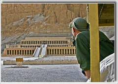 (908) Hatschepsut Tempel / still the last look / Egypt (unicorn 81) Tags: africa old travel history look trekking geotagged northafrica egypt egyptian egipto 2009 gypten egitto hatshepsut egypte reise egypten ancientegypt rundreise roundtrip egipt gypte mapegypt templeofhatshepsut misr nordafrika theben egypttrip deiralbahri april2009 gypten aegyptus  gyptusintertravel gyptenreise schulzaktivreisen meinjahr2009