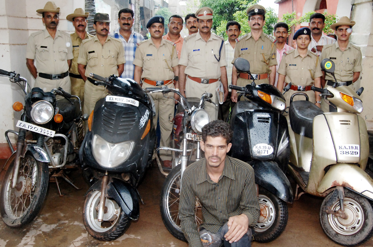 Vehicle seized by Mangalore North PS on 01.07.09