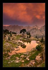 Luces de Tormenta en el Pirineo (efferra) Tags: parquesnacionales spain arboles nubes rocas montaas pirineos lleidacatalunya amaneceresyatardeceres lagosylagunas