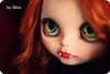 Sesión vampírica. (edea44) Tags: vampire blythe takara vamp vampira vampir exposición otrotiempo simplyguava