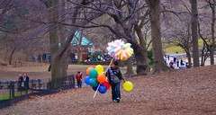 The Balloon and Cotton Candy Man (Arroyo Robin) Tags: park nyc balloons centralpark manhattan cottoncandy 2009