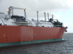 2007_0122hogmanyandtanker0021 (Kellydrever1) Tags: sea water orkney ship lpg scapaflow shiptoship