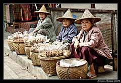 The Three Amigos?..................... (HellonEarth2006) Tags: ladies thailand burma bordertown nuts peanuts chiangrai maesai vendors monkeynuts 5photosaday the3amigos earthasia nutsellers