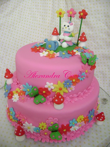 Bolo Hello Kitty- Hello Kitty cake por Alexandra Bolos Art�sticos.