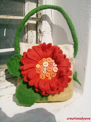 gerbera bag (1) (creationsbyeve) Tags: flower bag europe felting handmade crafts felt greece homemade gerbera handcrafted etsy artisan crafting esty handfelted handmadegifts handcraftedgifts europeanstreetteam creationsbyeve etsygreekteam
