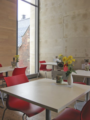 red seats (Gabriel Li // StudioGabe) Tags: museum jamie gardiner kennedy