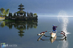 Morning splash (andibali) Tags: morning bali lake photo activity beratan tabanan jukung